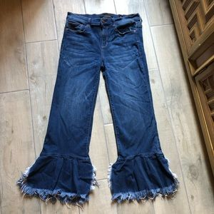 SP black label ruffle hem stretch jean.